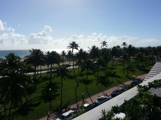 The Betsy - South Beach: Roof deck