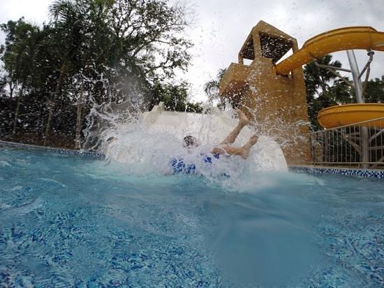 M Suites Hotel: splashhh