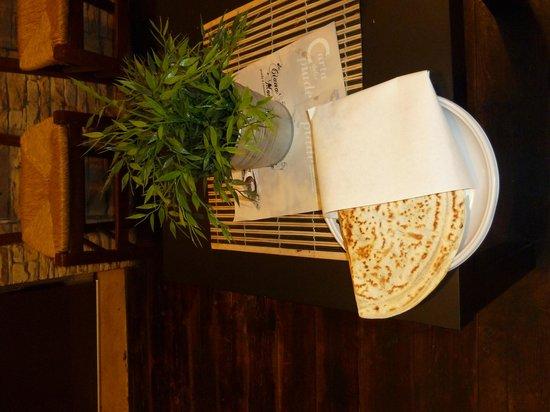 Piada e Cassoni da Ciana e Monda : Cassone al tavolo