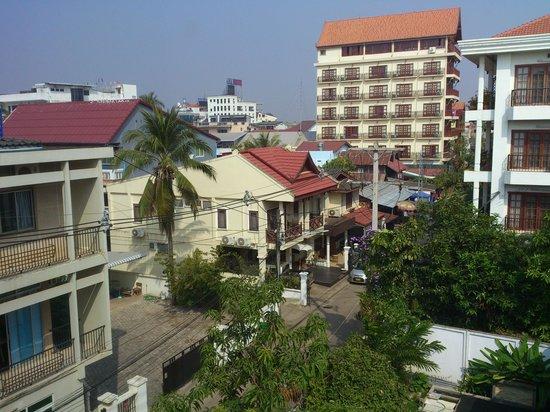 Mixok Guesthouse: Вид из окна