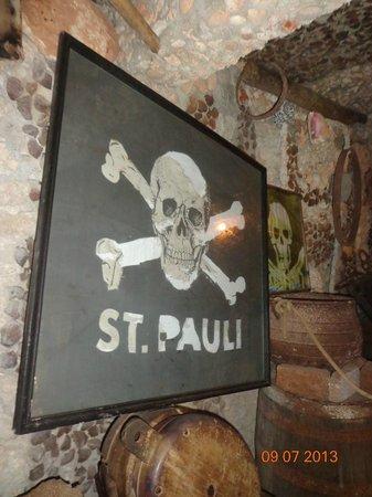 Cueva de Morgan: Bandera Pirata