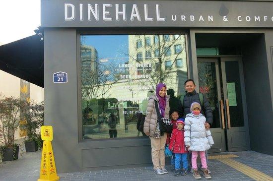 Hotel ShinShin: Hotel front