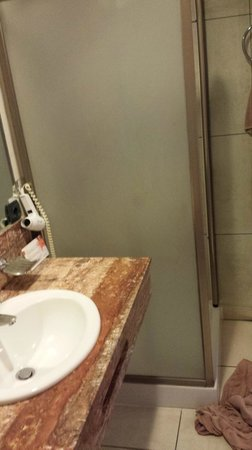 ClubHotel Riu Buena Vista: La douche minuscule