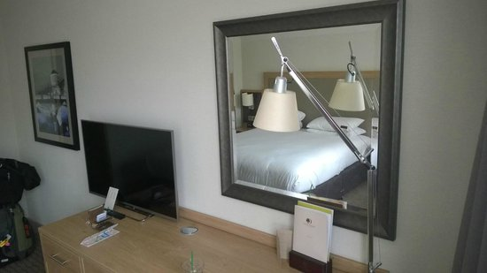 Clayton Hotel Burlington Road: Executive Room..nice done modern and clean