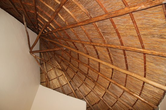 Lake Victoria View Guest House: Great roof line