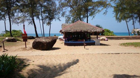 JW Marriott Phuket Resort & Spa: 1時間400バーツで出来るマッサージ。オススメはオイル付きマッサージ(1h500バーツ)