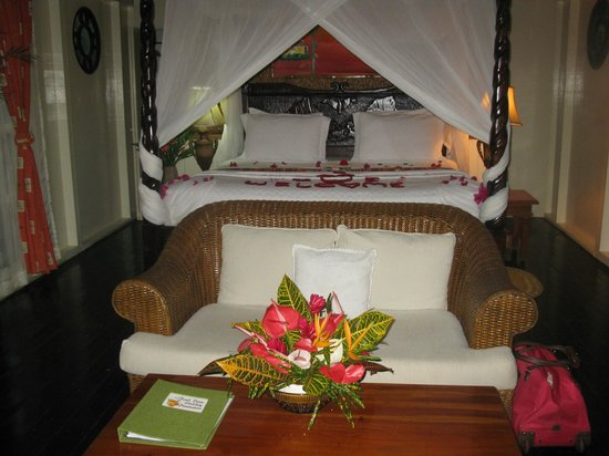 Fond Doux Plantation & Resort: Bed in Cinnamon