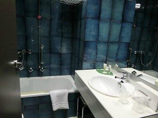 Mercure Bologna Centro : バスルーム