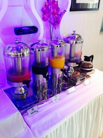 Kuta Angel Hotel: Breakfast
