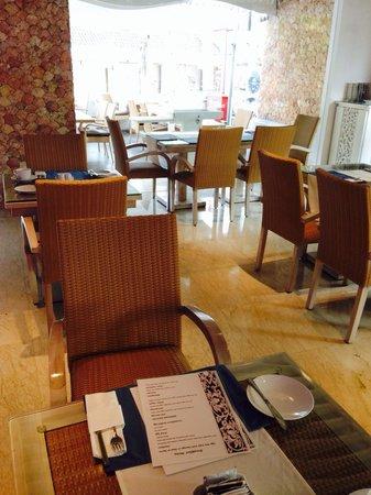 Kuta Angel Hotel: Restaurant