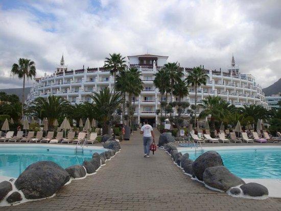Hotel Riu Palace Tenerife: Hotel from pool