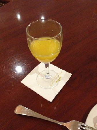 Gran Hotel Princesa Sofia: オレンジジュースはさすがの美味しさ