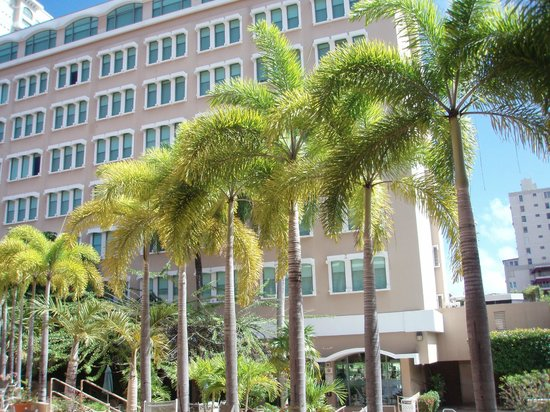Doubletree by Hilton San Juan: Hotel and grounds