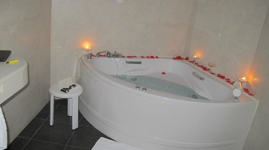 Hotel Vila de Muro : El baño preparado por nosotros con lo prestado