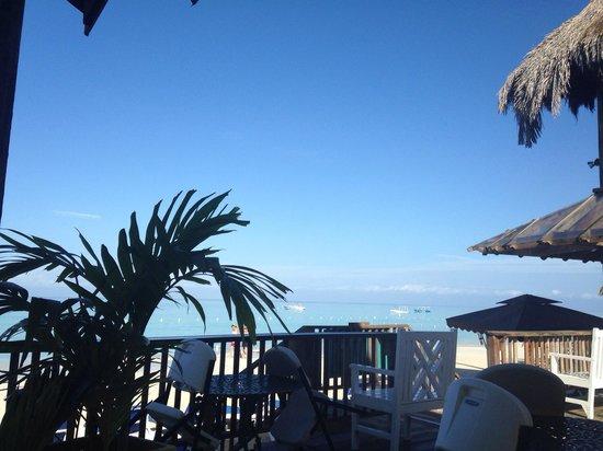 Seasplash Negril: Breakfast by the beach!