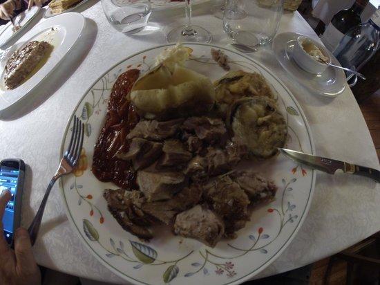 El Bon Raco Bar & Restaurant: Angneau au grill