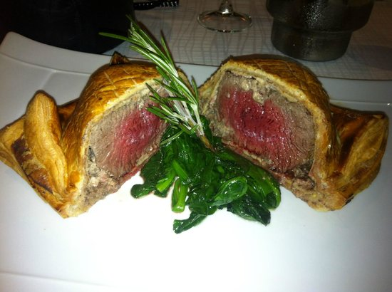 Empire Modern British Restaurant & Steak House: Beautiful Beef Wellington