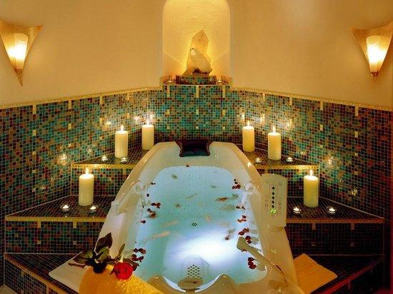 Hotel AlpenSchlössl: Royal-Sprudelwanne mit Whirlfunktion