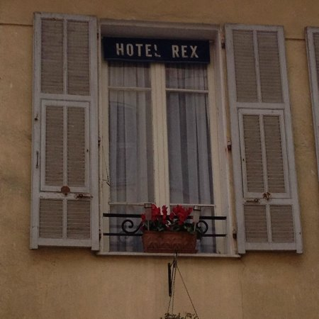 Hotel Rex: All the window look like this