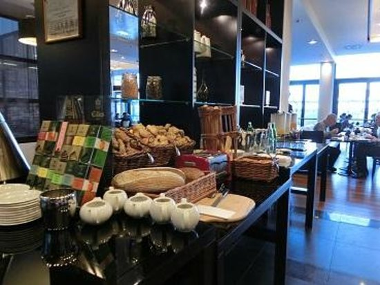Courtyard by Marriott Prague Airport: 朝食2