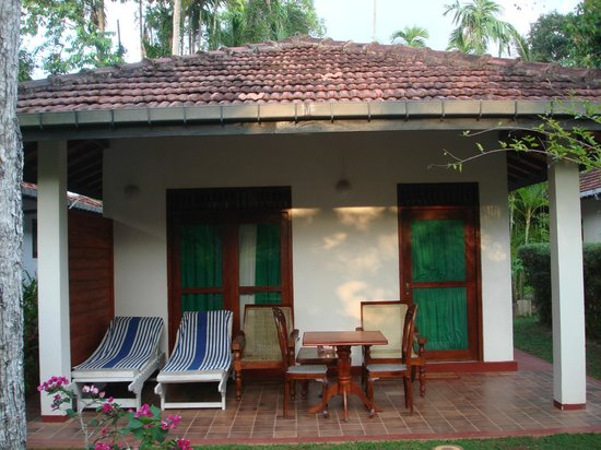Dalmanuta Gardens - Ayurvedic Resort & Restaurant: outside bungalow
