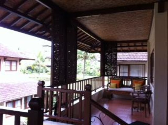 Munari Resort & Spa : opposite room with balcony as well