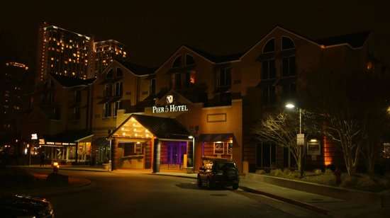 Pier 5 Hotel: Hotel front