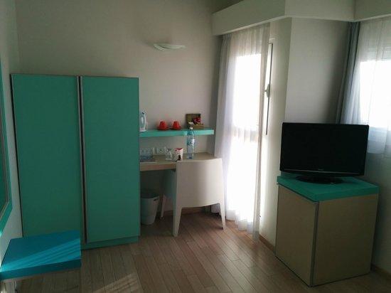 Hotel Prima City, Tel Aviv: Room furnitures