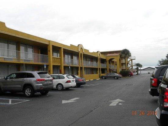 Days Inn Orlando/international Drive : Vista desde parqueo