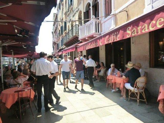 Caffe Saraceno : outside
