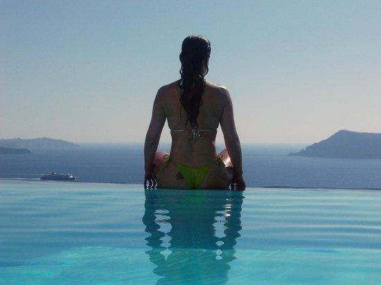 Vista da piscina Hotel Perivolas/OIA/Santorini