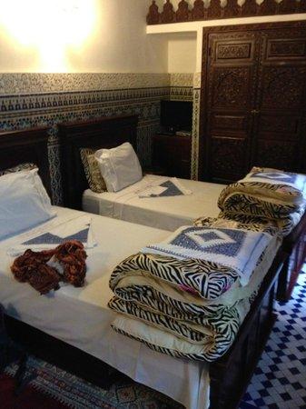 Riad Rcif: bed