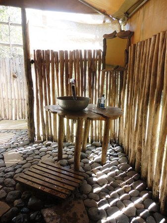 Punda Milias Nakuru C& Luxury safari tent bathroom & Luxury safari tent bathroom - Picture of Punda Milias Nakuru Camp ...