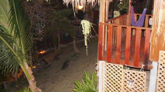 Seaview Resort and Restaurant: вид на соседний домик
