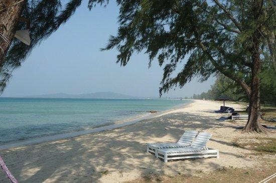 Bo Resort: Plage déserte