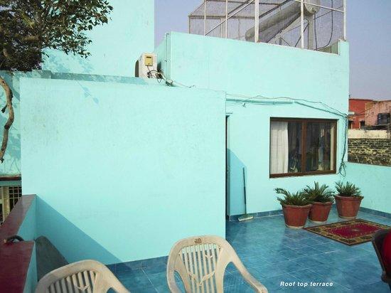 Kedareswar Bed & Breakfast: Rooftop terrace