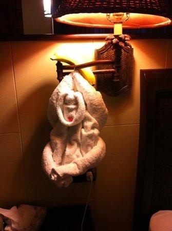 Arenal Kioro Suites & Spa: towel monkey
