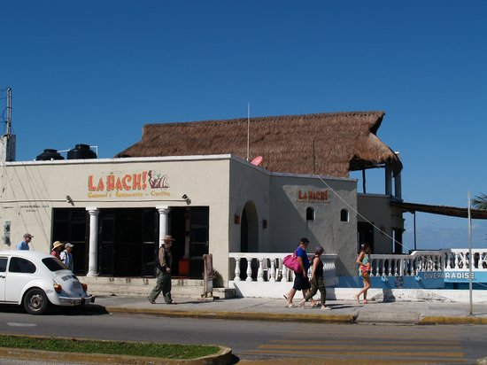 La Hach Restaurante-Cantina: La Hach is a great place for dinner, drinks, late night