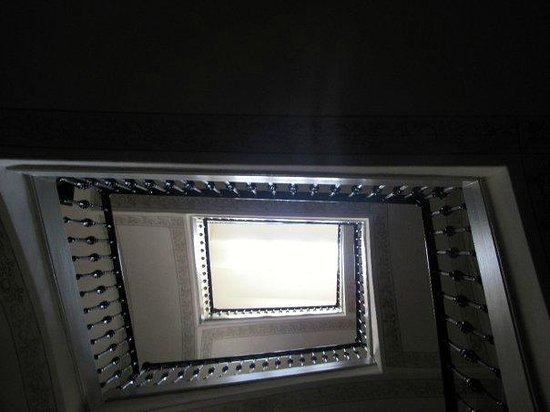Barcelona 4 Fun Hostel: more stairs..