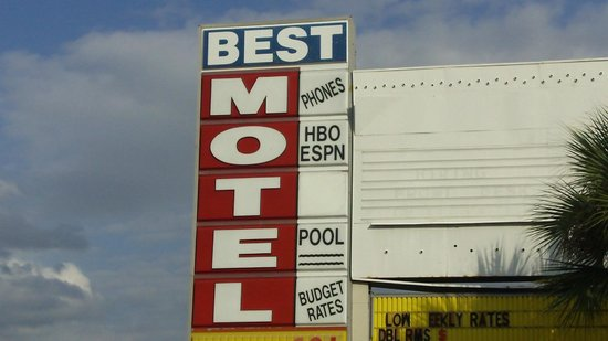 Best Motel Lakeland: Our sign