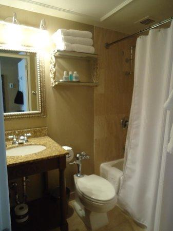 Omni Royal Orleans: The bathroom