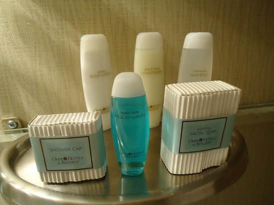 Omni Royal Orleans: Nice products in the bathroom