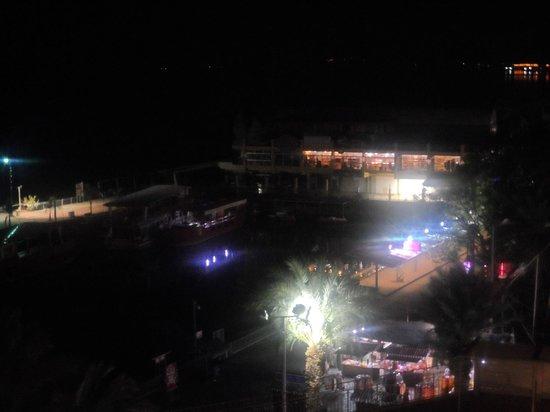 Leonardo Plaza Hotel Jerusalem : Pena que não podemos nadar de noite