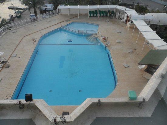 Leonardo Plaza Hotel Jerusalem : Piscina de dia. Pena que era inverno (10 graus)
