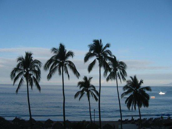 Tropicana Hotel: beach
