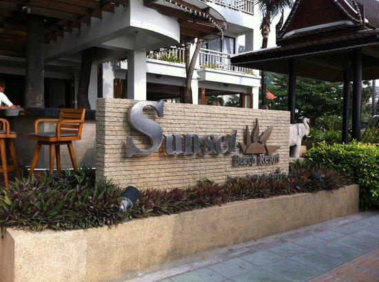 Sunset Beach Resort: front view