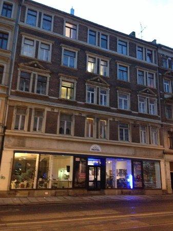 Space Hotel & Hostel Leipzig: Aussenansicht - Wurznerstrasse