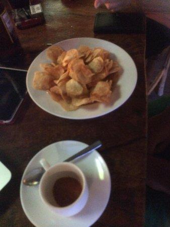 Yibba Yabba Sports Bar & Diner: Amazing homemade crisps!!!!