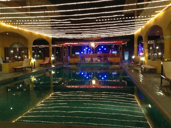 Toro Blanco Resort : The pool at night time.