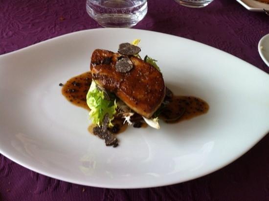 Entre Vigne Et Garrigue Restaurant : foie gras poele et son jus de truffe
